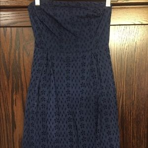 Old navy eyelet dress size 0 navy blue